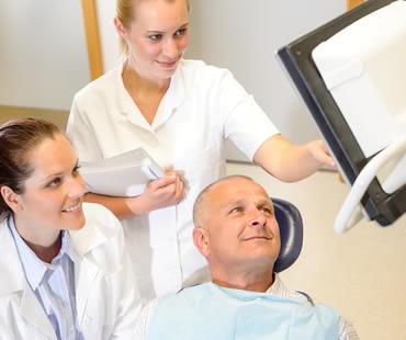 Oral surgeon in Fresno